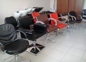 Стоит ли покупать парикмахерское оборудование на Авито?